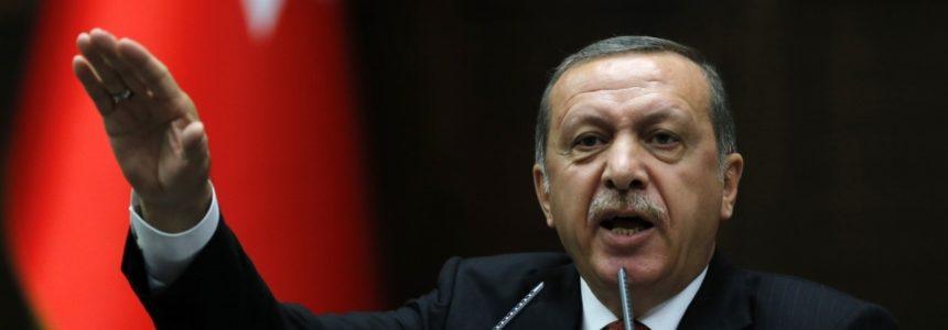 Реджеп Эрдоган потребовал немецких турок голосовать против Меркель!